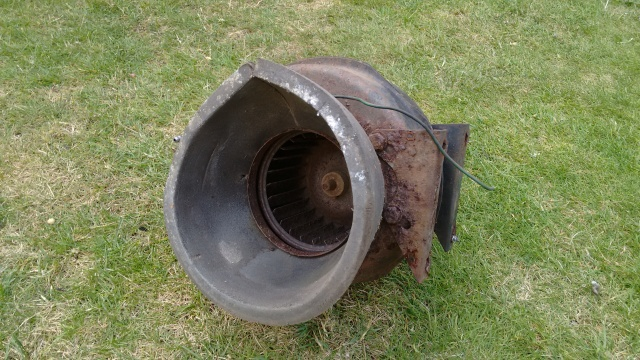 Rusty blower unit