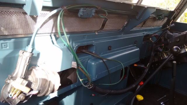 Painted wiper components and fresh grease, airflow divider in place