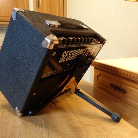 Mini amp tilt stand